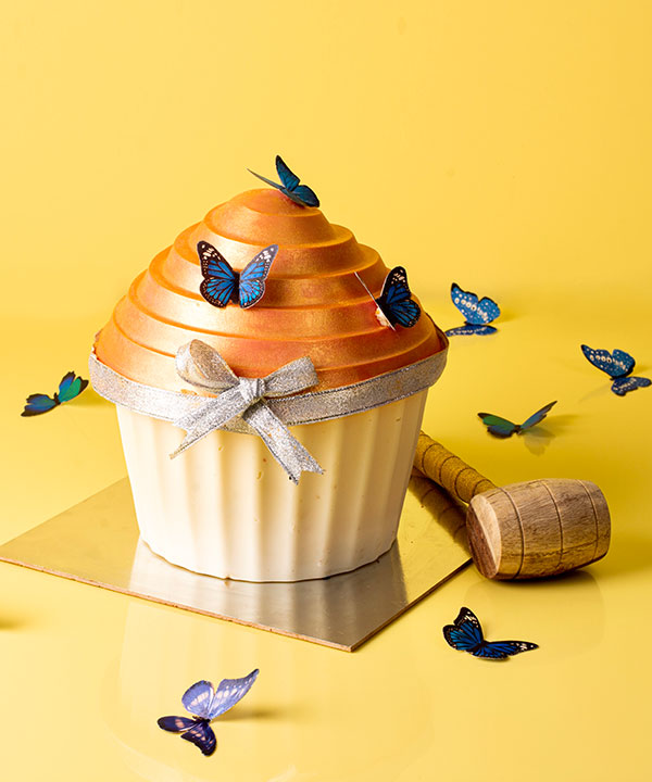 ENCHANTED HAMMER CUP CAKE