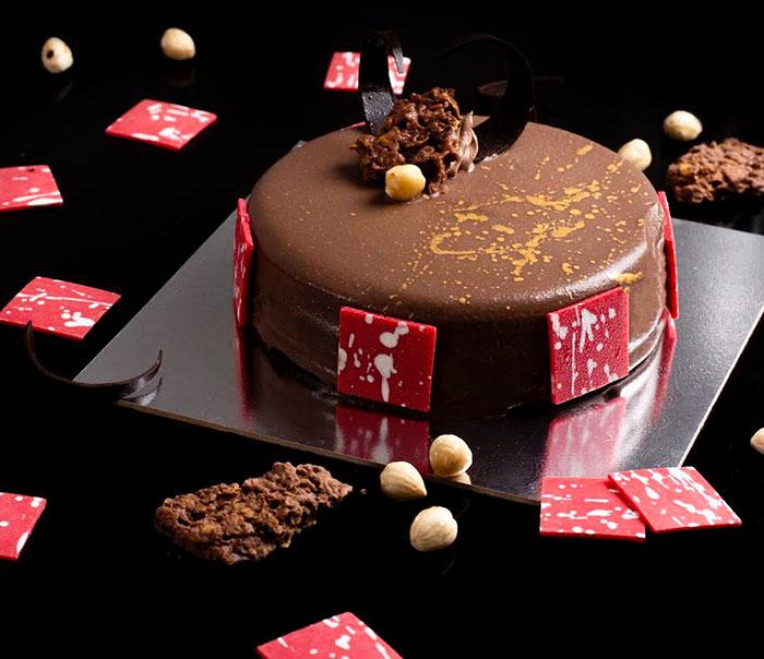 Crunchy Praline Cake